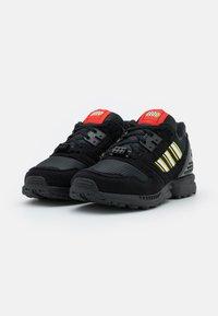 adidas Originals - ZX 8000 LEGO UNISEX - Trainers - core black/footwear white - 1