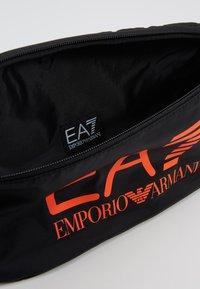 EA7 Emporio Armani - Sac banane - black / neon / orange - 4