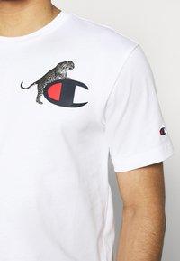 Champion Rochester - CREWNECK - T-shirt imprimé - white - 4