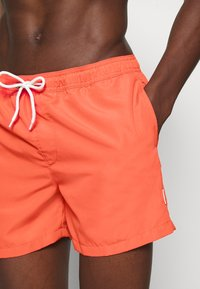 Jack & Jones - JWHMALIBU JJSWIM SOLID - Swimming shorts - hot coral - 3
