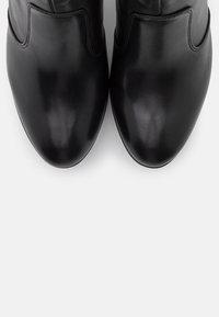 Tamaris Heart & Sole - BOOTS  - Kotníková obuv na vysokém podpatku - black - 5