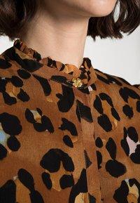 Fabienne Chapot - CARMEN BLOUSE - Blouse - cognac/black - 4