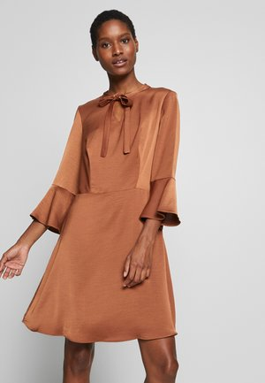 LAMIE - Day dress - camel