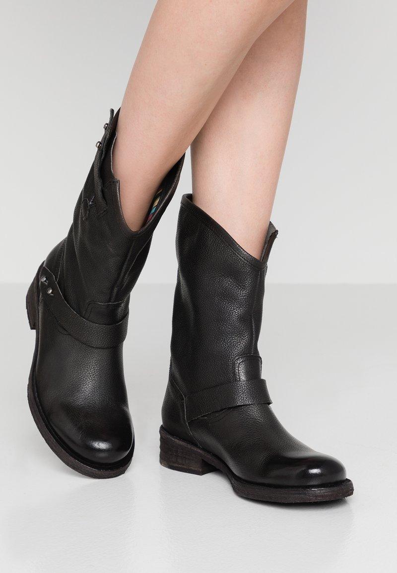 Felmini - VERDY - Cowboystøvler - black