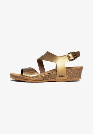 REUS - Sandalen met sleehak - brown