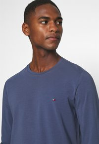 Tommy Hilfiger - Long sleeved top - blue - 4