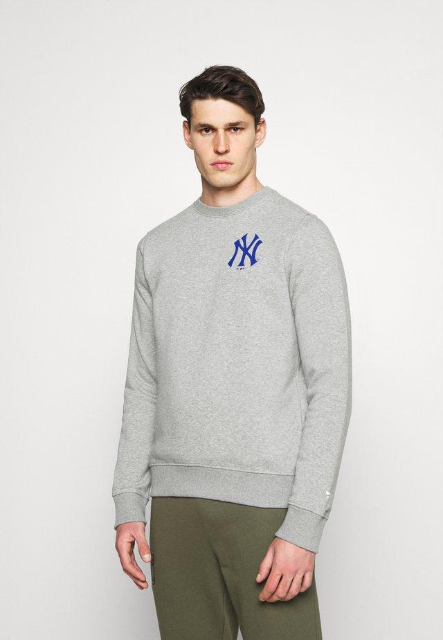 MLB NEW YORK YANKEESSUMMER CAMP GRAPHIC CREW - Sweatshirt - sports grey
