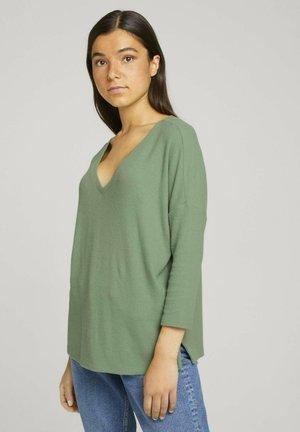 COSY V-NECK TEE - Pullover - light mint green