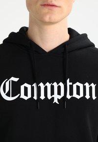Mister Tee - COMPTON  - Hoodie - black - 3