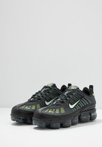 Nike Sportswear - AIR VAPORMAX 360  - Zapatillas - black/white/yellow - 2