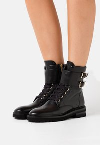 Steffen Schraut - CHAIN ROAD - Lace-up ankle boots - black - 0