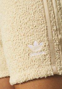 adidas Originals - Shorts - hazbei - 4
