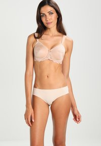 Triumph - ESSENTIAL MINIMIZ - Shapewear - smooth skin - 1