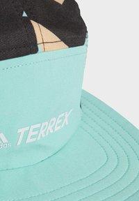 adidas Performance - TRX 5P CAP GRPH - Cap - green - 3