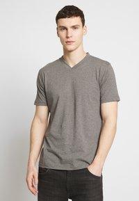 Dickies - V-NECK PACK 3 - Basic T-shirt - black/grey/white - 2