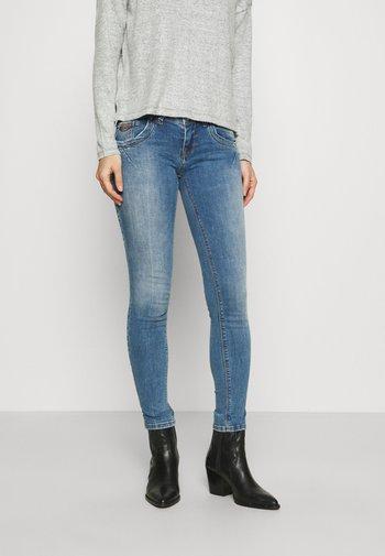 SENTA - Slim fit jeans - oleana undamaged wash