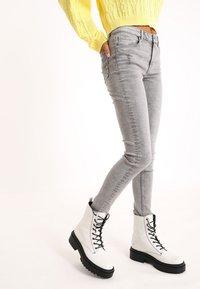 Pimkie - Jeans Skinny Fit - grau - 2