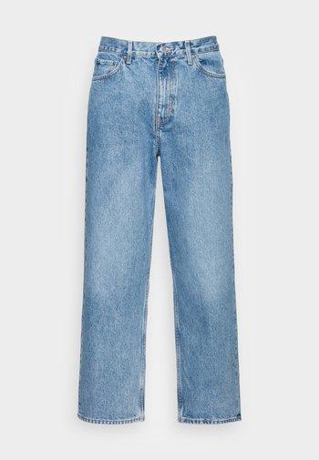 GALAXY LOOSE  - Straight leg jeans - hanson blue