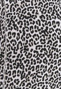 Cotton On Body - MATERNITY TRAINING TANK - Camiseta de deporte - winter animal micro - 3