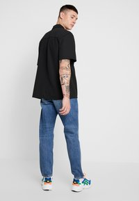 Woodbird - DAD FIT - Relaxed fit jeans - blue vintage - 3