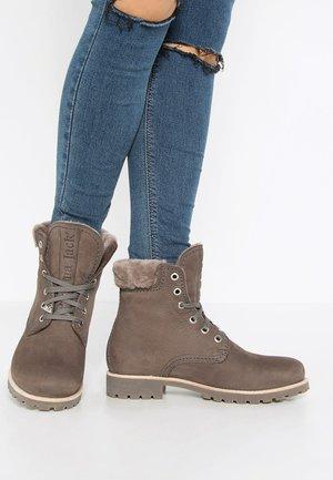 IGLOO - Šněrovací kotníkové boty - gris