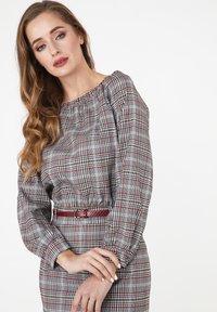Madam-T - Shift dress - grau/ weinrot - 3