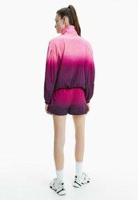 Calvin Klein Jeans - DIP DYE - Training jacket - gradient dark clove - 2
