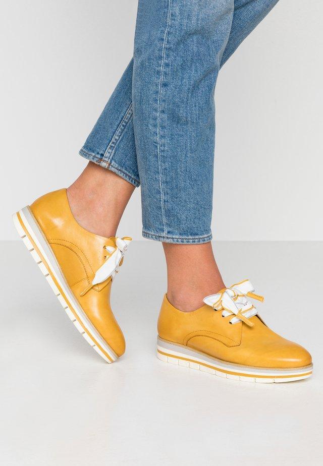 LACE UP - Volnočasové šněrovací boty - sun