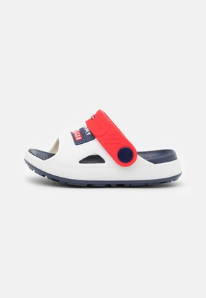 UNISEX - Mules - white/red