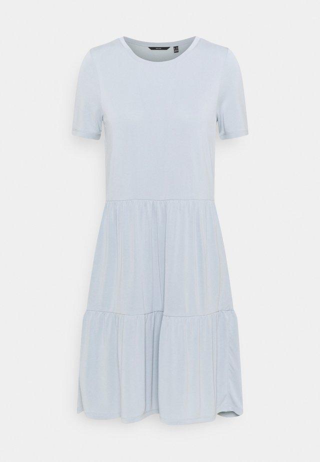 VMFILLI CALIA DRESS - Jersey dress - blue fog