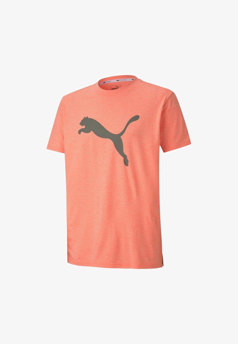 Puma - HEATHER CAT  - Print T-shirt - nrgy peach heather