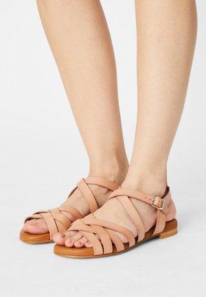 Sandals - rosa palo vaqueta