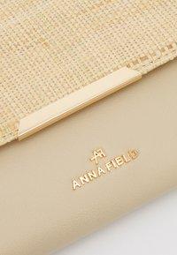 Anna Field - Pikkulaukku - beige - 4