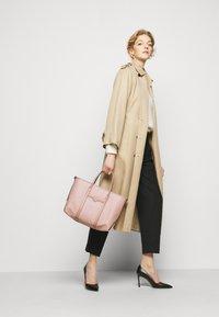 MICHAEL Michael Kors - BECK TOTE - Handbag - ballet - 0