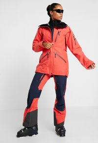 State of Elevenate - BACKSIDE PANTS - Snow pants - red glow - 1