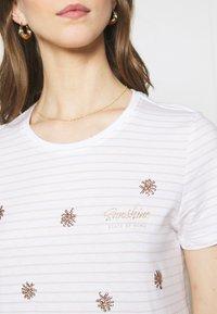 ONLY - ONLKITA LIFE BOX  - Print T-shirt - bright white/sunshine/pumice stone - 5