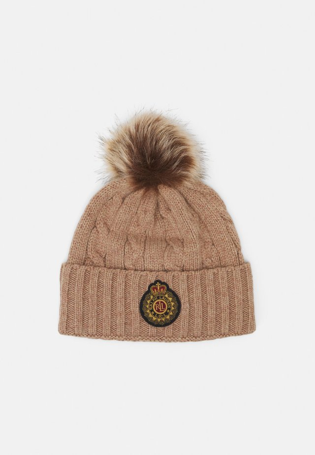 CABLE PATCH HAT - Beanie - camel heather