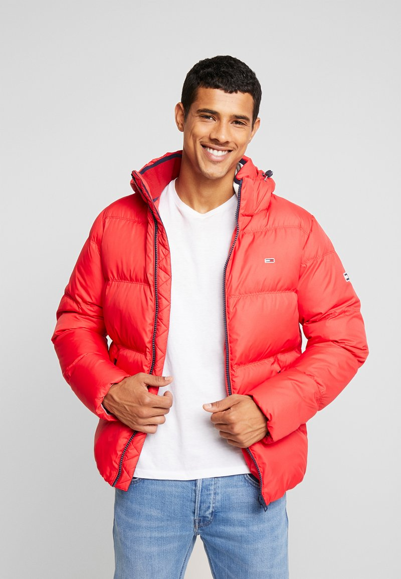Tommy Jeans - ESSENTIAL JACKET - Down jacket - racing red
