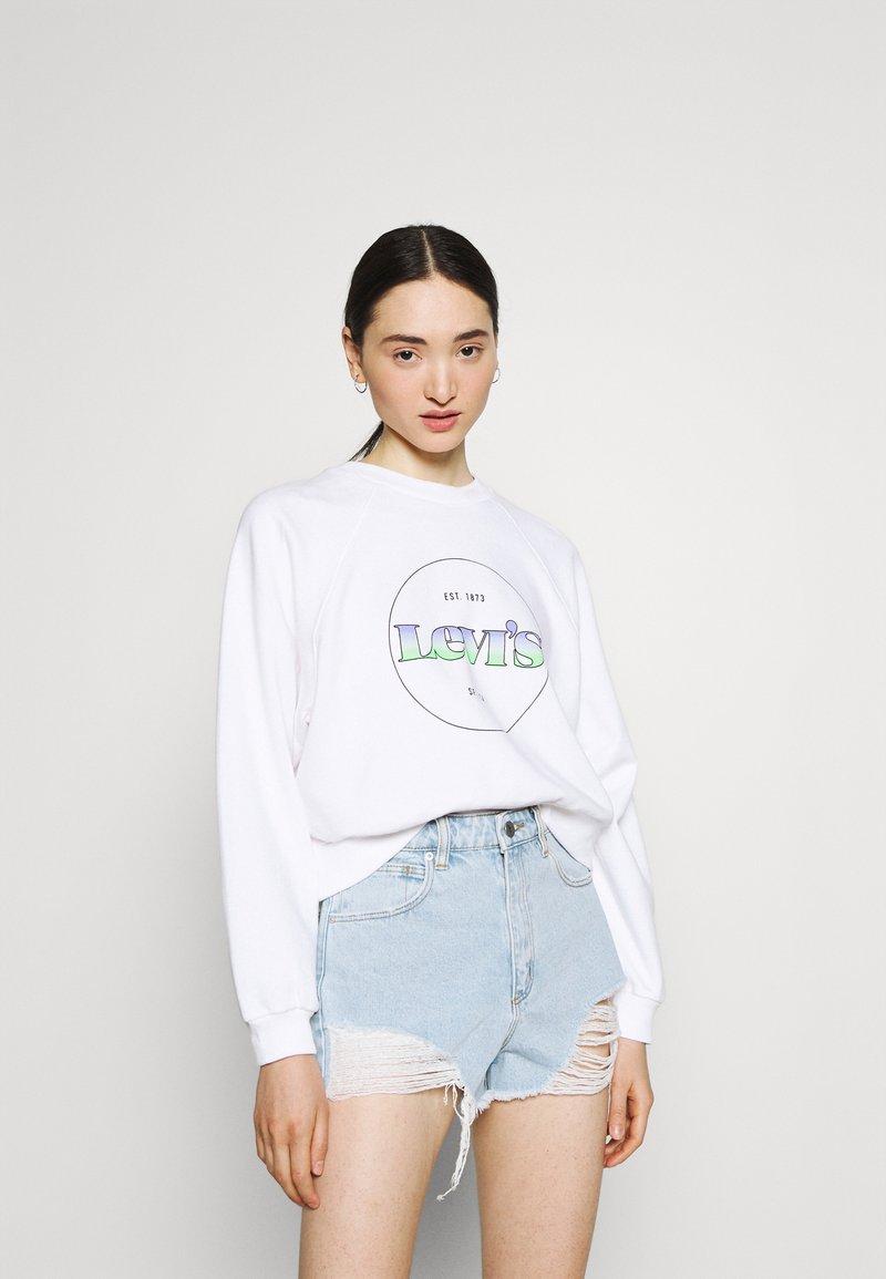 Levi's® - VINTAGE RAGLAN CREW - Sweatshirt - gradient white