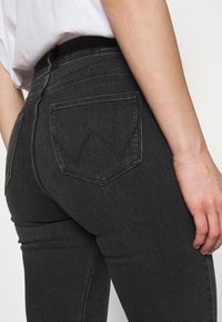 Wrangler - HIGH RISE - Jeans Skinny - soft storm - 4