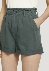 TOM TAILOR DENIM - CONSTRUCTED PAPERBAG - Denim shorts - dusty pine green - 4