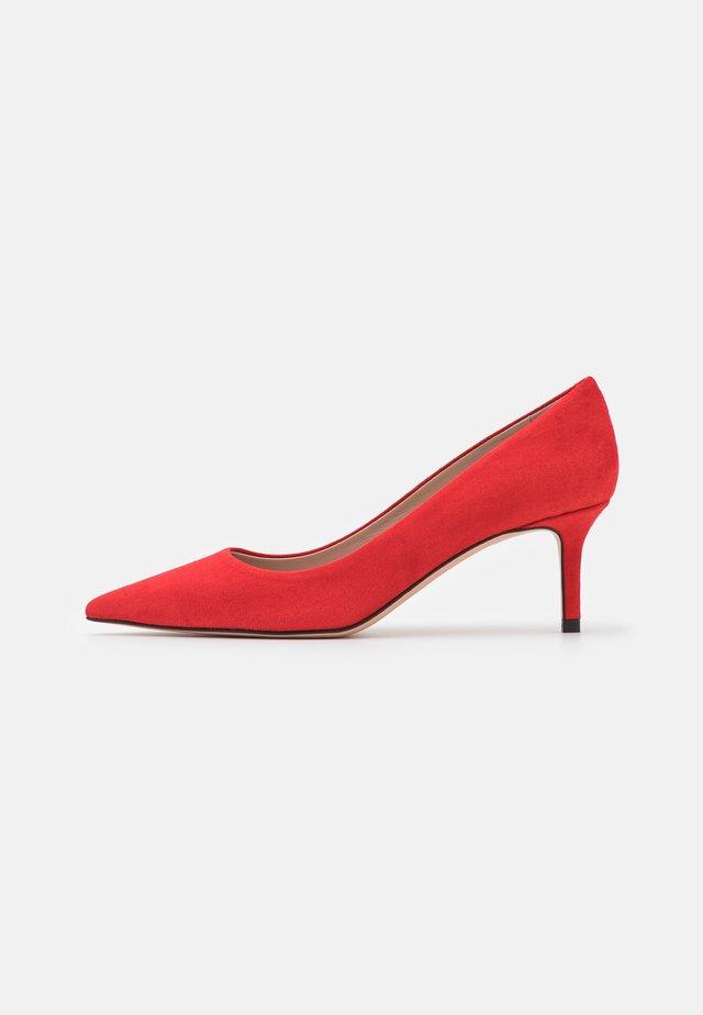 INES  - Klasické lodičky - bright red