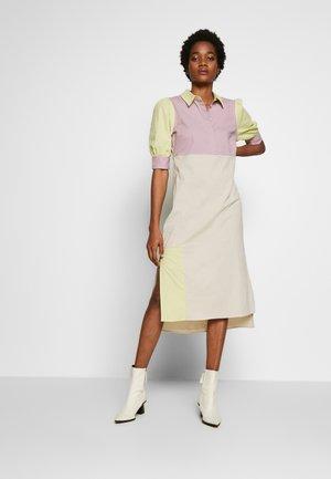 PUFF SLEEVE PANEL DRESS - Košilové šaty - multi