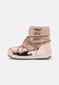 Moon Boot - LOW MORITZ WP - Vinterstøvler - gold - 1