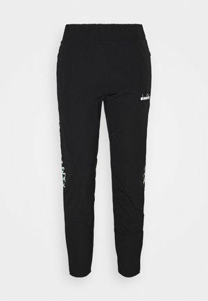 PANTS CHALLENGE - Pantalones deportivos - black
