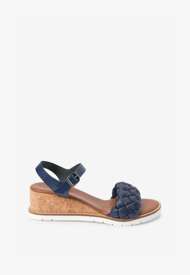 Sandály na klínu - dark blue