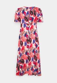 Molly Bracken - YOUNG DRESS - Denní šaty - bright pink - 1