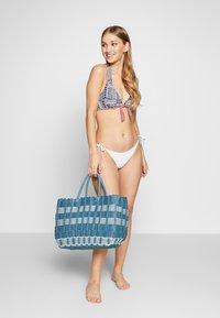s.Oliver - WIRE NECKHOLDER - Bikini top - blue/red - 1