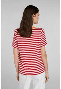 Oui - Print T-shirt - white red - 2