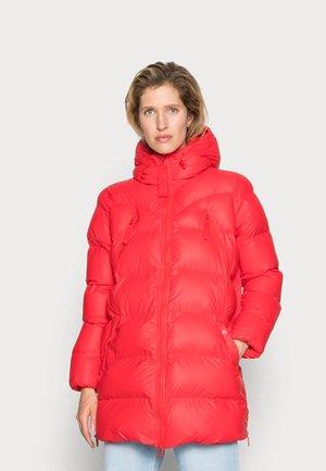 WOMENS ORIGINAL PUFFER JACKET - Płaszcz zimowy - red chill